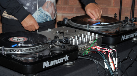 Eyes on the Prize: Tips and Guidelines for Aspiring DJs