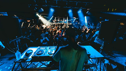 Welsh DJ Makes History at UK's First Live Show in Over a Year